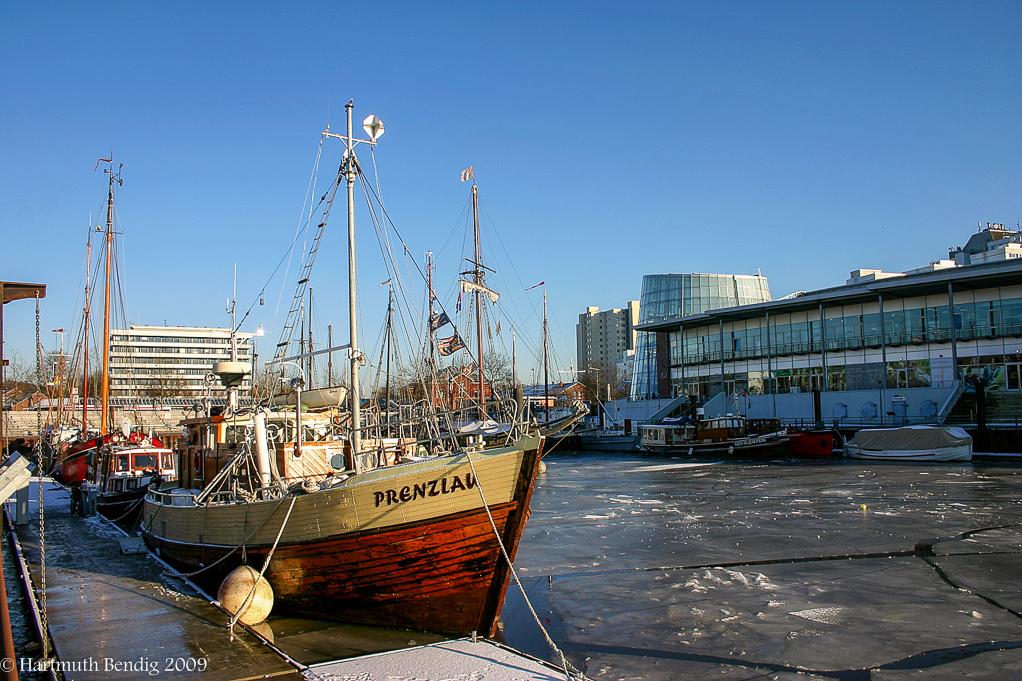 Winter im Vegesacker Museumshafen