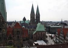 Blick vom Karstadtdach zum Bremer Rathaus / Dom