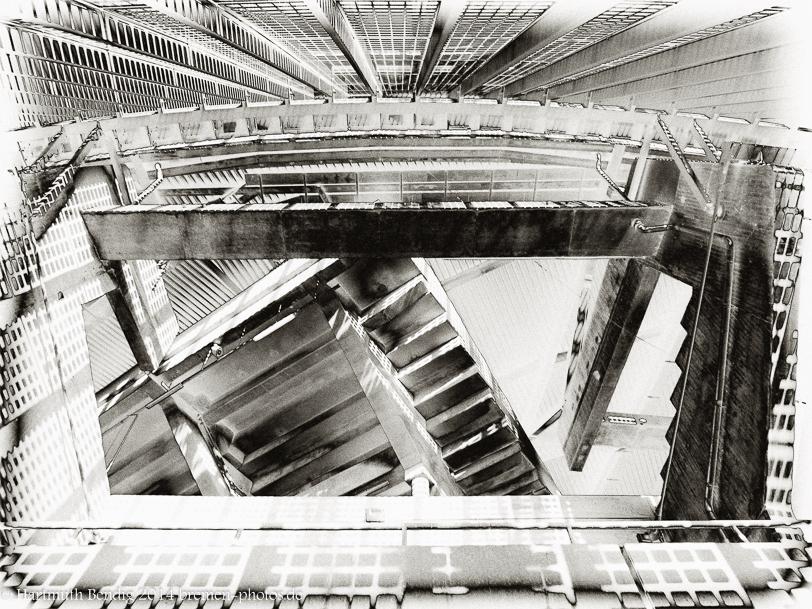 Blick von unten ins die Aussenseite des Bremer Weserstadions