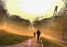 Sonnenaufgang und Nebel am Weserstadion