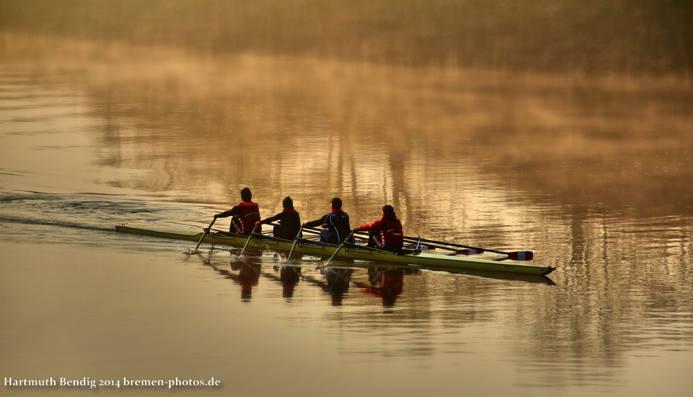 auch frühmorgens wird auf der Weser schon trainiert