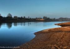 frühmorgens bei Ebbe an der Weser