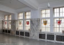 die Wappenfenster im Marmorsaal von Kaffee HAG in Bremen