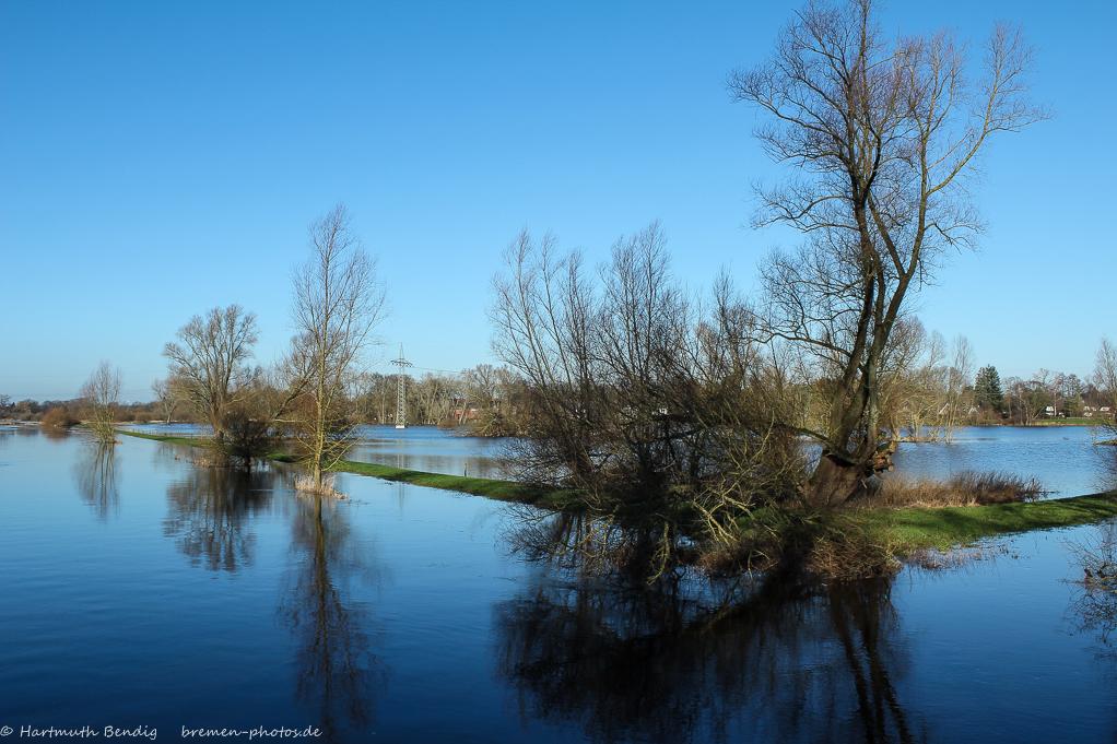 überflutete Wiesen in Bremen Borgfeld