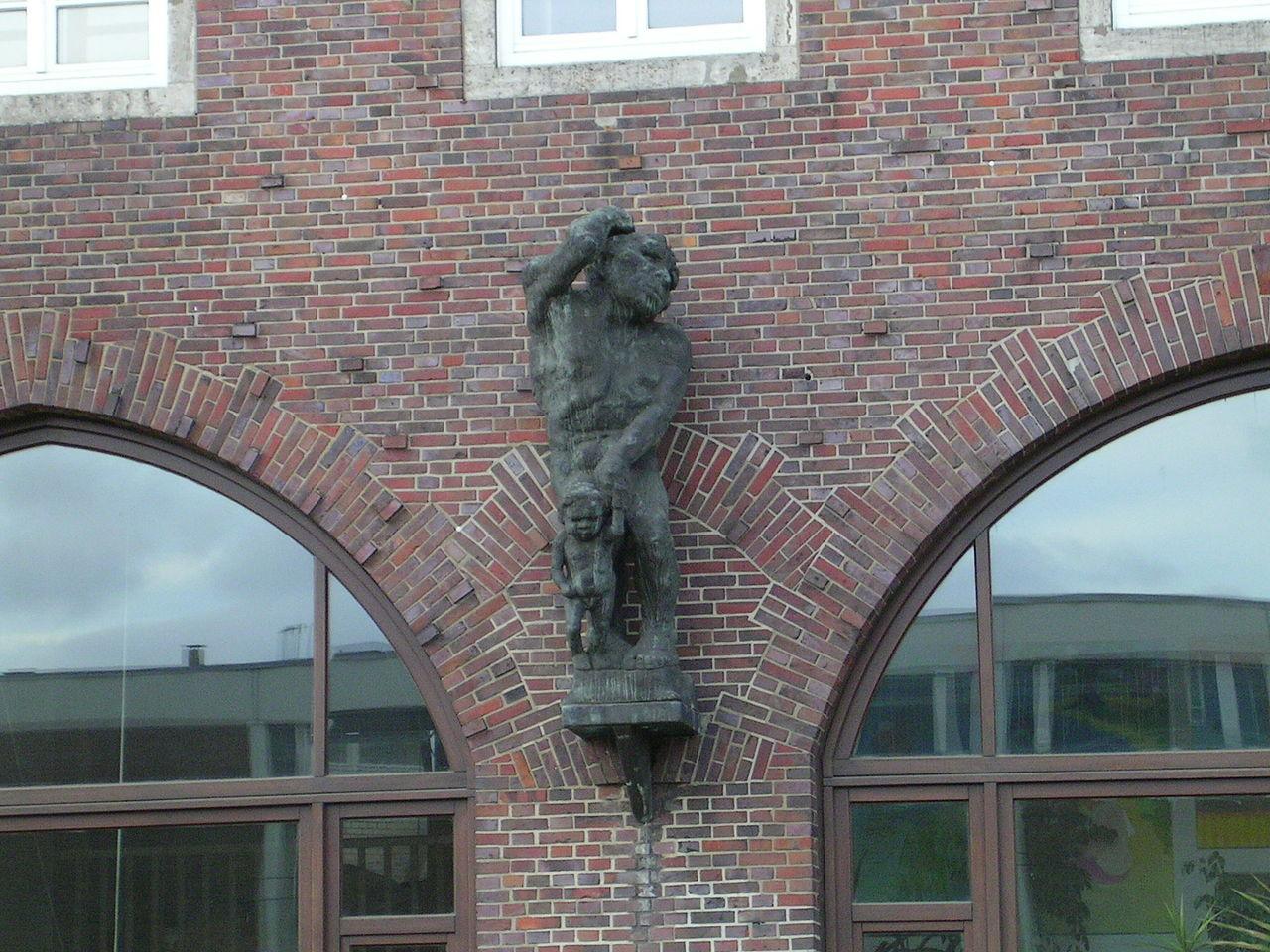 Hoetger Nachguss am Volkshaus Bremen